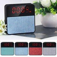 horloge des systèmes achat en gros de-plastique + tissu art intégré Microphone USB chargeable Bluetooth 4.2 Réveil Stéréo Haut-parleur Portable Système de Son mini rétro