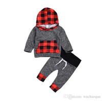 juegos de regalo para recién nacidos para niños al por mayor-Recién nacido bebé niña niña cuadros niño pequeño con capucha Top + Pants 2 piezas conjunto trajes rojo negro niños ropa regalo de Navidad babys niña niño ropa