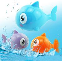 brinquedo de peixe de vento venda por atacado-2017 Bonito Peixe Clockwork Brinquedo Para Meninos Meninas de Natação Cauda Animal Wind Up Brinquedos Para Crianças De Plástico Tubarão Crianças Brinquedos Clássicos