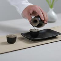 japanese sake set venda por atacado-Estilo japonês-Cerâmica Cerâmica Preta Vinho Ware Set Casa Drinkware Lote de Licor Xícara De Chá Hip Flask Mini Bandeja Sake Cup Whisky Chaleira