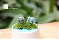 plastikelefanten spielzeug großhandel-20 teile / los 1,5 * 2,5 cm Schöne Kunststoff Emulation Elefant Miniatur Modell Kinder Spielzeug Nette Anime Kinder Action Figure Micro-landschaft Spielzeug