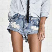 tongs xs venda por atacado-Vintage rasgado buraco franja denim shorts tanga mulheres sexy bolso uma colher de chá de calções jeans 2017 menina verão denim quente espólio curto