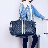 correa de bolsa de equipaje al por mayor-Bolsas de viaje de equipaje de alta calidad para los hombres Oxford Duffle bolso impermeable correa grande organizador plegable BackpacFree envío