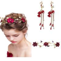 kelebek saç düğün mücevherat toptan satış-Kırsal Gelin Şarap Kırmızı Çiçek Gelin Düğün takı Seti Kadınlar Için Inci Kristal Kelebek Kafa Saç parça Küpe Headdress