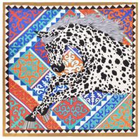 bufanda de pashmina al por mayor-Nuevo 130 * 130 cm Poncho bufanda de seda de las mujeres de la marca de lujo Fular Hijab bufandas cuadradas Unicornio Impreso Wraps colorido grande ShawlCapes