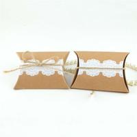 bolsas de renda diy venda por atacado-100 pcs rendas caixas de papel kraft travesseiro presente do favor do casamento do partido diy caixa de bombons bomboniere caixas de açúcar presentes do chuveiro de bebê sacos