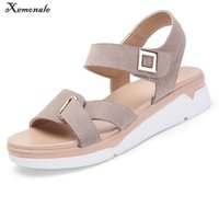 damas blanco sandalia plana al por mayor-Xemonale 2018 Summer Women Suede Leather Flat Ankle Strap Platform Ladies White Sandalias de gladiador