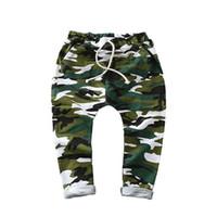 pantalones verdes para niños al por mayor-SQBCMW 2016 venta caliente size100 ~ 140 niños pantalones harem para niños camo ejército pantalones niños niños pantalones casuales camuflaje verde azul