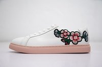 Wholesale online celebrities - Wholesale Women's OZLANA Spring Summer Internet Celebrity Online Star Embroidered Flower Leather Fashion All-Purpose Style White Pink Shoes