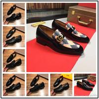 italienische büroschuhe großhandel-19ss italienische Designer formale Herren Kleid Schuhe Gold Leder Luxus Leder Hochzeit Schuhe Männer Müßiggänger Büro für Männer