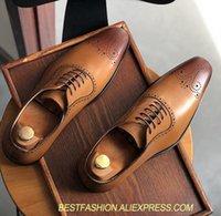 ingrosso tacchi alti-Scarpe eleganti fatte a mano da uomo in vera pelle vintage italia scolpito brogue con tacco medio scarpe casual eleganti scarpe brogue traspiranti