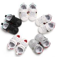 slip de algodón blanco para niñas al por mayor-Hebilla multicolor amor Zapatillas de deporte de moda Bebé recién nacido Zapatos de cuna Niños Niñas Niño pequeño Suave Suela Primeros andadores Zapatos de bebé