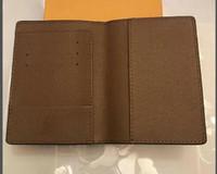 diseñador de pasaportes al por mayor-Diseñador de lujo PASSPORT COVER Marrón Mono Gram Lienzo de cuero Blanco Negro a cuadros Eip cuero Envío gratuito Monederos