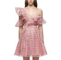 açık elbiseleri kes toptan satış-2018 yeni marka kadın elbiseler Yüksek belli mini elbise Açık kesilmiş ruffled seksi hırka elbise Hollow bir omuz parti elbise