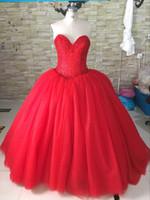 kaliteli gelinlik çini toptan satış-Ağır Boncuklu Sequins Kırmızı Gelinlik Balo 2018 Sevgiliye Korse Örgün Gelinlikler Çin Yüksek Kalite Gelin Elbiseler için Gelin