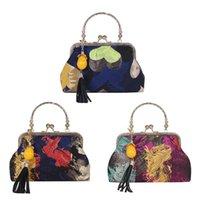 perlenstickerei taschen großhandel-Retro Frauen Quaste Bead Anhänger Handtasche Vintage Stickerei Mental Griff Clutch Abendtasche