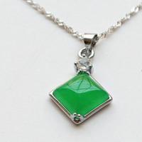 зеленый нефритовый бриллиант подвеска оптовых-Зеленый Алмаз Уникальный Нефрит Кулон Малайский Нефрит Кулон