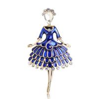 f2b0a7c6a1d Оптовая Принцесса платье девушка форма броши четыре цвета эмаль Кристалл  женщины брошь хороший подарок партии юбка аксессуары рисунок булавки