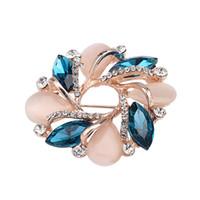 cristal de bauhinia al por mayor-Flor de alto grado Broche Estilo coreano Bauhinia Flor Ramillete Cristal Rhinestone Broche Joyería