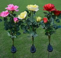 ingrosso fiori di giardino solare potenza-3-Heads Solar Power Fiore di rosa LED Light Garden Yard Patio Decorazione del prato Lampade Simulazione Lanterna Fiore artificiale Illuminazione