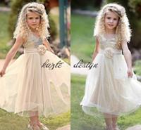 vestido de marfim cinto de ouro venda por atacado-Vestidos de meninas de flor país rústico ouro marfim brilhante com cinto 2018 pequena princesa criança vestido de festa de aniversário de casamento