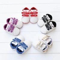 Wholesale baby ties pattern - Baby Shoes Newborn Boys Girls Heart Star Pattern First Walkers Kids Toddlers Lace Up PU Sneakers 0-18 Months