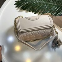 Wholesale Interiors Designs - 2018 new lady fashion hot woman handbag letter T design chain leather crossbody covertible Diamond Lattice shoulder top flap bag 21cm