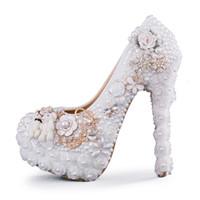 0049edbe8 Специальный дизайн свадебные туфли белый жемчуг высокий каблук невесты  платье обувь цветок и прекрасный медведь платформы Пром партия насосы  большой размер