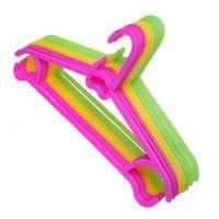 kleiderbügel plastik kinder großhandel-10 STÜCKE Rutschfeste Kunststoff Kinder Kinder Kleinkind Baby Kleidung Kleiderbügel Haken