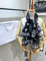 ipek şifon modası toptan satış-Lüks eşarp kadınlar şifon ipek Kafatası Şal 140 * 140 cm siyah tasarımcı marka pelerin moda kış ekose eşarp