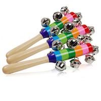bébé instruments de musique jouets achat en gros de-L'apprentissage des jouets en bois 18 cm de bande dessinée bébé hochet arc-en-ciel hochets avec cloche des jouets en bois Instruments Orff Early musique éducative jouet bébé jouet