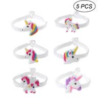 jouets en silicone pour filles adultes achat en gros de-5 PCS Styles Aléatoires Licorne Silicone Bracelets Racelets Jouets Pour Enfants Garçons Filles Adultes Anniversaire Cadeaux De Noël