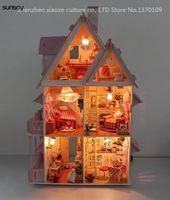 freie hausmöbel großhandel-DIY vorbildliches Sunshine Alice Doll House Freies Verschiffen bauen Landhaus-Puppe-Haus- / Holzmöbel-Holzspielzeug-Miniaturhaus zusammen