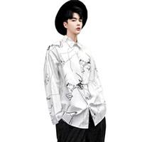 b662b39c215cc Erkekler Streetwear Hip Hop Graffiti Baskı Moda Rahat Uzun Kollu Gömlek  Erkek Parti Dans Elbise Siyah Beyaz Elbise Gömlek
