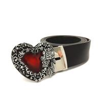 cinturones de corazon rojo al por mayor-Cinturón de hombres de estilo vintage Cinturón de cuero negro de PU para hombres con hebilla metálica decorativa con forma de corazón rosa rosa en forma de corazón