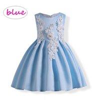 ingrosso abito ricamato blu-Le ragazze hanno ricamato il vestito da partito dei fiori Le ragazze della principessa senza maniche abito blu abito di sfera vestidos panno ragazza per bambini