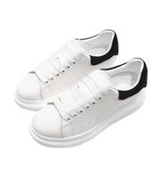 nuevo modelo de zapato estilo al por mayor-2018 nuevo estilo de calidad superior modelo Loveres zapatos casuales hombres y mujeres de cuero genuino zapatos de alta calidad envío gratuito zapatos para caminar