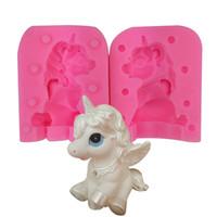 lolipop kek kalıbı toptan satış-3D Unicorn Silikon Kalıp Bao Li Mum Manuel DIY El Yapımı Sabun Lolipop Pişirme Kek Çikolata Hayvan Kalıp Mutfak Aletleri 18tq bb