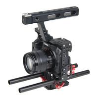 dslr stabilizatörler donanımı toptan satış-15mm Çubuk Rig DSLR Kamera Video Sabitleyici Kafes Kiti w / Üst Sony A7 A7S A7RII A6300 A6000 için Kolu Kavrama / GH4 GH3 / EOS M5 M3