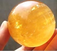 bolas de cristales de feng shui al por mayor-60MM + ARENA Citrino natural Calcita Cristal de cuarzo Esfera Bola curativa Gemston