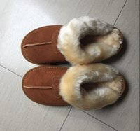 logotipos de sapato de inicialização venda por atacado-Novas Mulheres botas de neve Moda Couro De Vaca sapatos de neve Da Menina Chinelos Adultos US5-11 Saco Logotipo rosa chocolate castanha areia