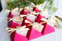 favores de rosas vermelhas venda por atacado-50 Pcs New Creative Rose Caixa De Doces Vermelhos Favores Do Casamento Fontes Do Partido Bomboniere Obrigado Caixa De Chocolate De Presente pacote