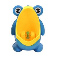 töpfchensitze großhandel-Kinder Baby Töpfchen Wc Ausbildung Kinder Stehen Urinal Boy Wand Kunststoff Toilettensitz Hohe Qualität Baby Care Groove Frog Wc