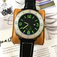 correa de cuero negro vestido reloj al por mayor-Diseño especial Hombres Reloj militar de cuarzo Reloj de lujo para hombres Relojes Relojes de pulsera de moda Relojes casual Negro / Marrón banda Envío gratis