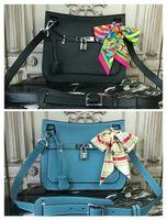 embrague en relieve al por mayor-BOLSAS DE HOMBRO 100% MESSENGER DE CUERO COMPLETO 27 CM nuevo BOLSO HERMB BIRKIN30CM 35CM bolsa de hombro portátil en relieve YF0309 Azul negro bolsas de kaili