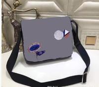Wholesale messenger shoulder bag briefcase - 2018 new famous Brand Classic designer fashion Men leather messenger bags cross body bag school bookbag shoulder bag briefcase 25CM