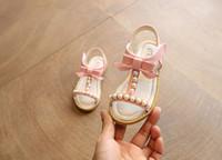 плоская обувь korea новый оптовых-Девушки Сандалии Принцесса Корея Новый 2018 Летняя Мода Сандалии Жемчужина Ребенок Студент Ребенок Пляж Плоские Туфли Дети