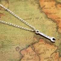 herramienta de manitas al por mayor-12pcs / lot Wrench necklaceCharm colgante ajustable herramienta joyería Handyman regalo regalo de carpintero