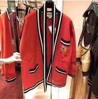 frauen blumen strickjacken großhandel-2018 Herbst Kint Pullover Strickjacke Stickerei Solide Blumen Langarm Regelmäßige Prom Mode Rot Damenbekleidung YS