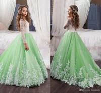 robe de filles de fleur vert menthe achat en gros de-Robes de fille de fleur belle menthe verte pour les mariages avec dentelle blanche à manches longues Appliques Enfants tenue de soirée robe de première communion